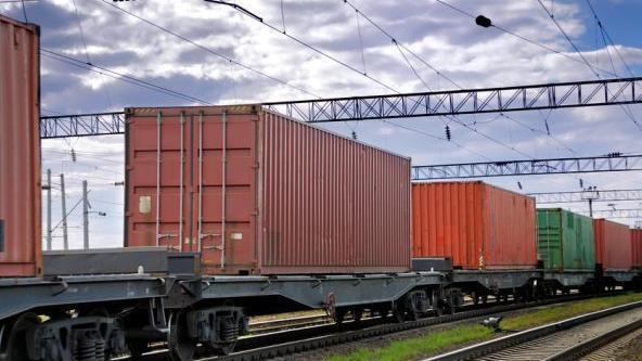 <p><strong>9 ayda dəmir yolu ilə 5,2 milyon ton yük daşınıb</strong></p>